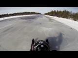 Езда на снегоходе по реке