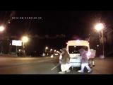 Наиржачнейшая драка на дороге Видеорегистратор - YouTube_0_1409749897917